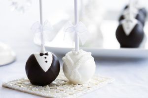 wedding-cakes-in-stockton-wedding-cake-pops